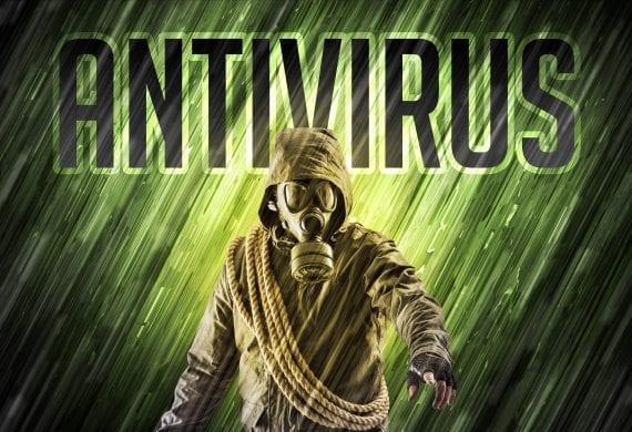 Mann mit Anti Virus Maske